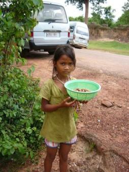カンボジア  シェムリアップで見かけた美少女・美少年 【カンボジア】