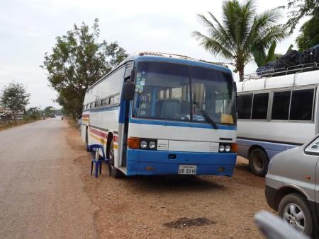 ラオス  久しぶりのビエンチャンへ夜行バスで 【ラオス】