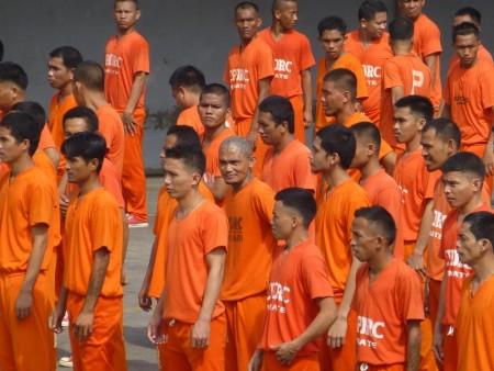フィリピン  セブ刑務所(CPDRC)で月一回開催される囚人ダンス(前編)