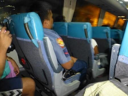 フィリピン  警察同行? セブからモアルボアルへバスでの行き方