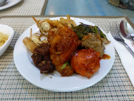 フィリピン  高級ホテル内 ポート レストラン(Port Restaurant)で食べ放題 【セブ】