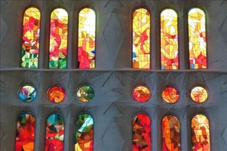 スペイン  世界遺産サグラダファミリアのステンドグラス 【バルセロナ】