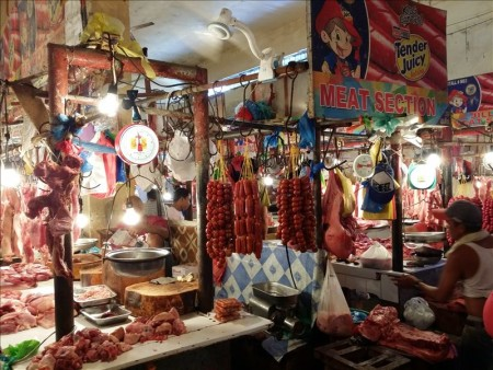 フィリピン  正月をセブの片隅のローカル市場で