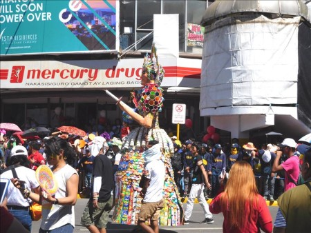 フィリピン  セブ 最大のお祭り「シヌログ(Sinulog)」写真集_Vol.3