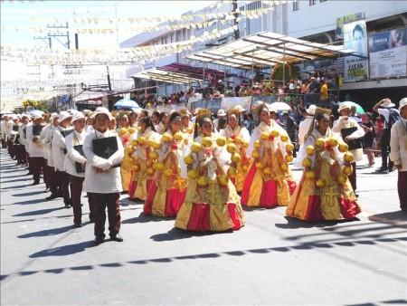 フィリピン  セブ 最大のお祭り「シヌログ(Sinulog)」写真集_Vol.7