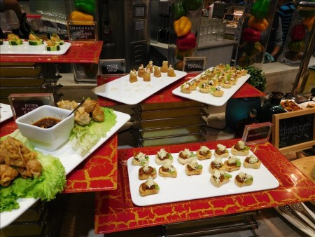 フィリピン  最大規模の食べ放題店 Vikings_ステーキ、イタリアン、日本料理