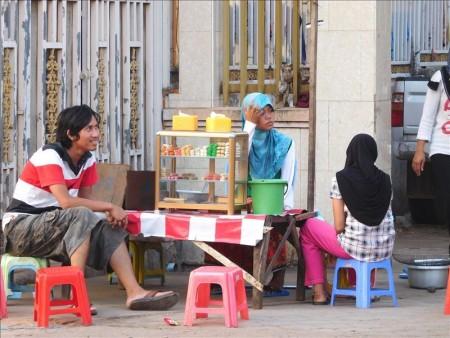 カンボジア  モスク街で異国気分 【プノンペン】