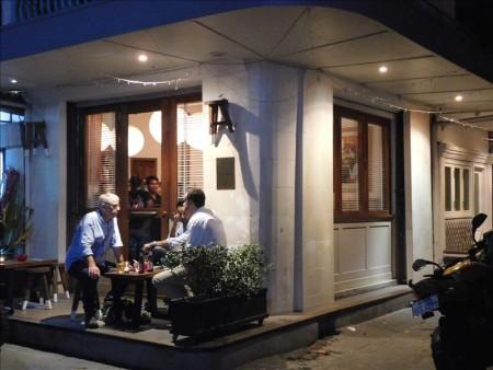 カンボジア  大人気のピザ屋さん「ピッコラ イタリア(Piccola Italia)」 【プノンペン】