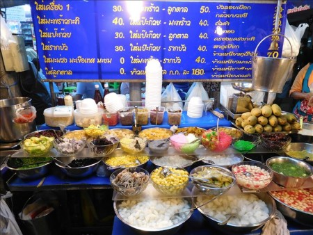 タイ  ランブトリ通り周辺の屋台とか
