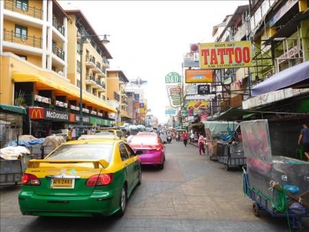 タイ  カオサン周辺をブラブラ_まずは両替。ムエタイジムも発見。【タイ】