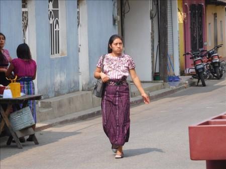 グアテマラ  民族衣装を身にまとったサンファンの美女たち 【グアテマラ旅行】