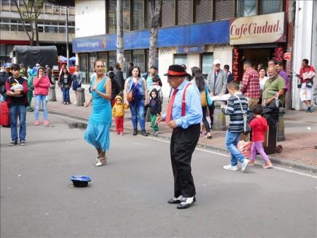コロンビア  大道芸人を見ながらブラブラ散策 【ボゴタ】