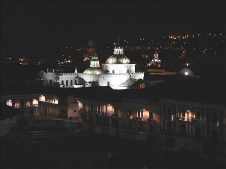 エクアドル  キトで食べた定食とか夜の街を散策とかいろいろ