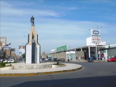 エクアドル  エクアドル・クエンカ ⇒ ペルー・チクラヨ 【バス国境越え】