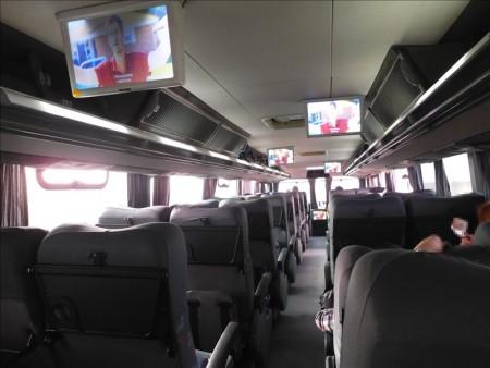 ペルー  今日も朝からCruz del Sulのバスで長距離移動_リマ ⇒ ナスカ
