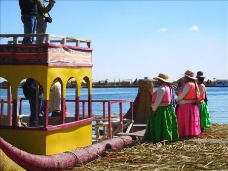 ペルー  標高3800mのチチカカ湖に浮かぶ「ウロス島」(後編)