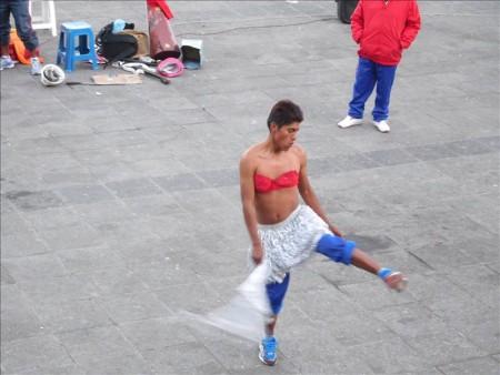 ボリビア  ラパスの街をブラブラ_今度こそは良い宿を見つけた?