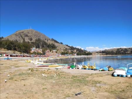 ボリビア  コパカバーナのチチカカ湖で癒される