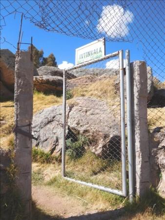 ボリビア  コパカバーナの街を散策中のいろいろ