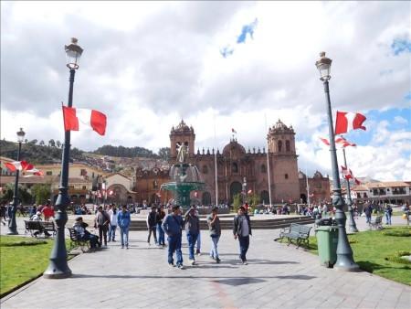 ペルー  クスコのアルマス広場は別格