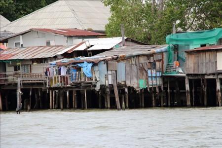タイ  チャオプラヤーエクスプレスボートで散歩