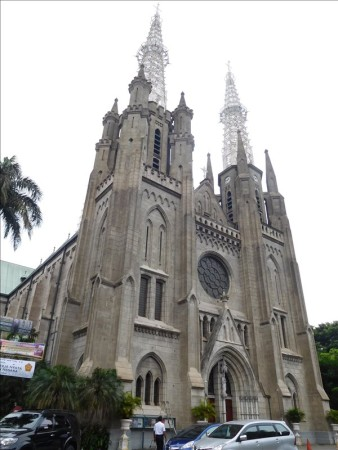 インドネシア  ジャカルタを散策_モナスとモスクと大聖堂