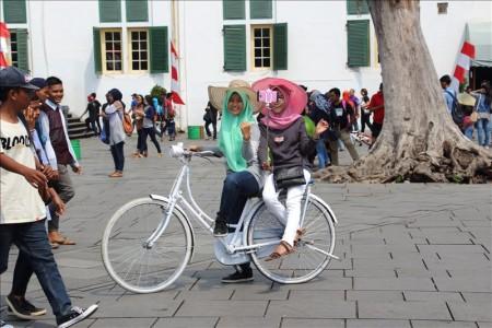 インドネシア  ファタヒラ広場周辺を散策