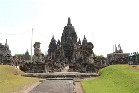 インドネシア  「プランバナン寺院群」_地震で崩壊した世界遺産【ジョグジャカルタ】