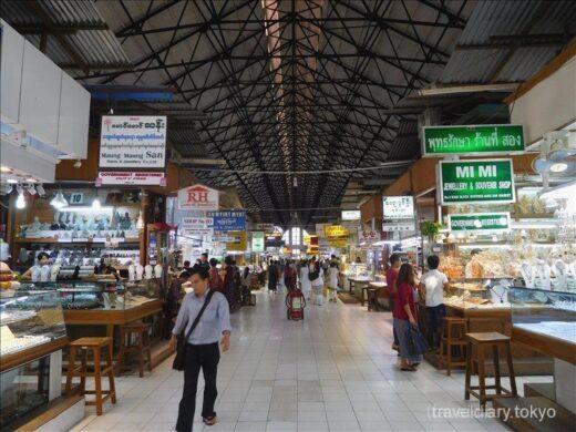 ミャンマー  ヤンゴンの街を散策_ボージョーアウンサンマーケットとか