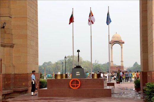 インド  凱旋門にそっくりのインド門は戦没者追悼の門【ニューデリー】