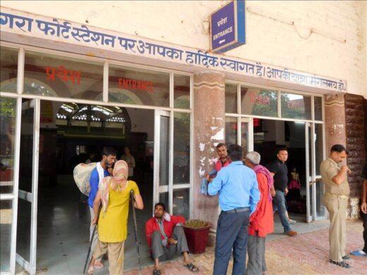 インド  ジャイプル ⇒ アグラ_2度目のインド鉄道は心もリラックス