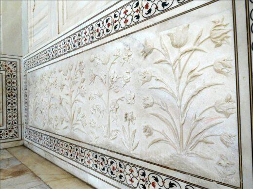 インド  シンメトリーで有名なタージマハルが左右対称じゃなかった【アグラ】