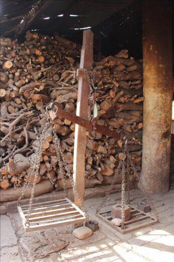 インド  日本人には衝撃的光景。インド人にとっては幸せなガンガーでの火葬。