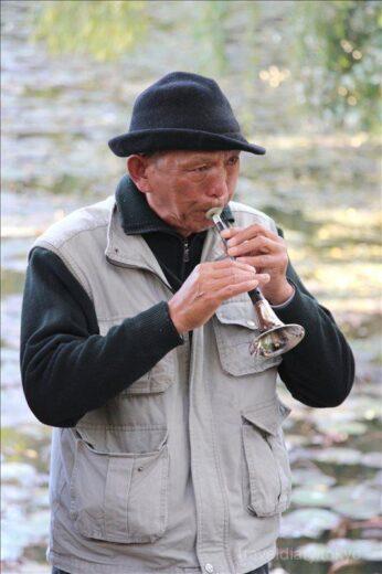 中国  週末に音楽好きの集まる湖「翠湖公園」に行ってきた【中国】