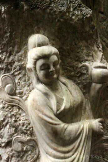 ベトナム  山が丸ごと大理石!!五行山(マーブルマウンテン)を見学【ダナン】