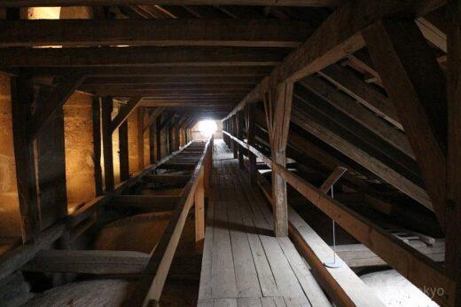 チェコ  大聖堂の天井裏はこんな感じ_クトナーホラの聖母マリア大聖堂