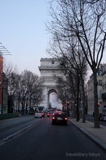 フランス  生まれて初めてのパリで定番のエッフェル塔と凱旋門を見学